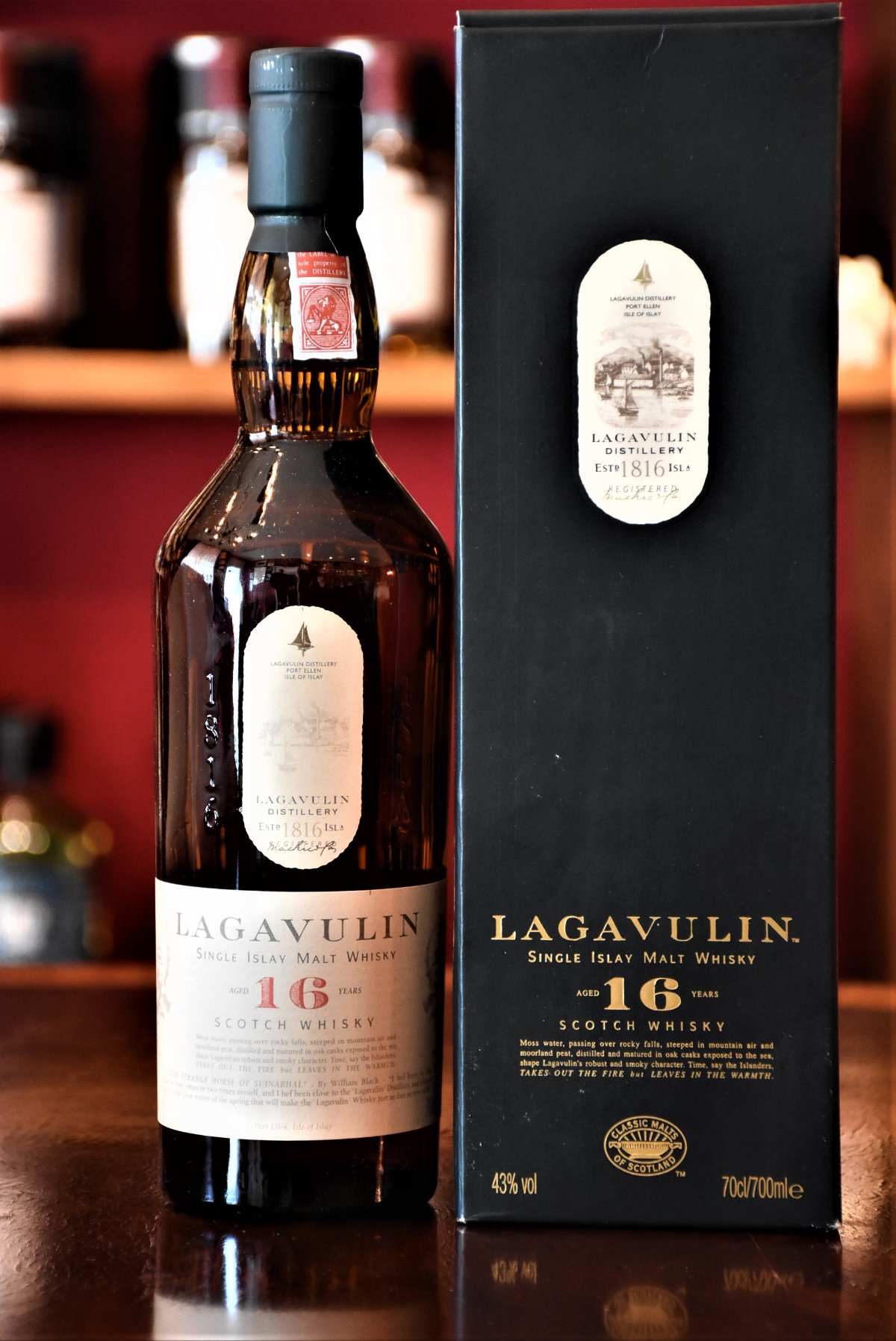 Lagavulin 16 y.o. - Bottled latest 2002, 43% Alc.Vol.